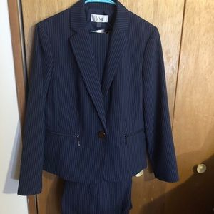 Suit pants and jacket Women's